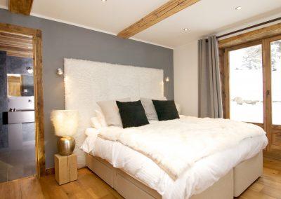 Property management service Chamonix guest bed