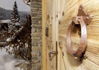 Property management service Chamonix door knocker